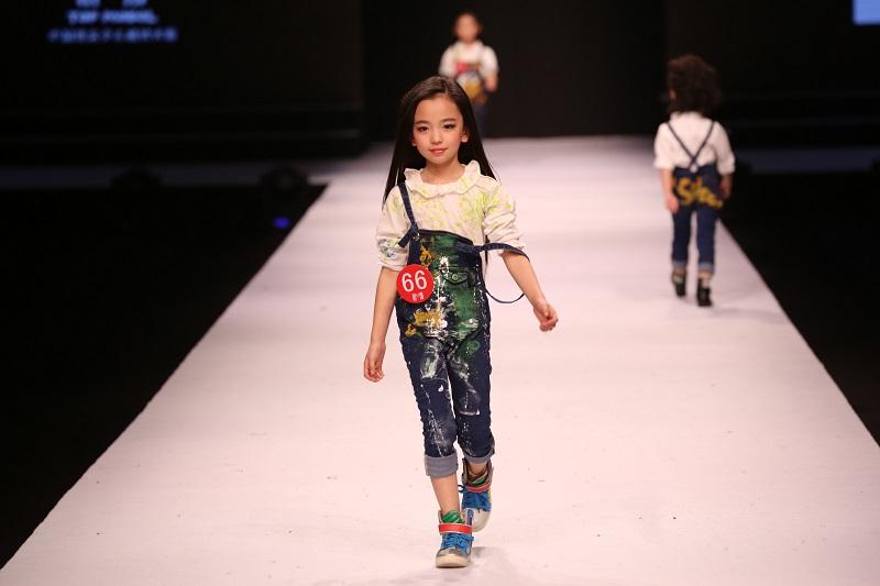 金 奖:全国知名童装品牌平面拍摄/发布会走秀模特  潮童星super